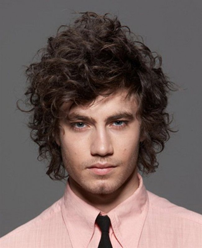http://www.theunstitchd.com/grooming/popular-hairstyle-for-men/
