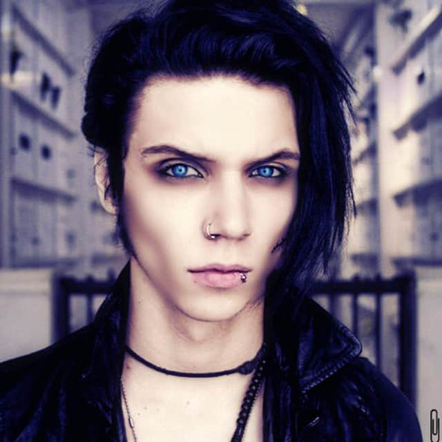 Groovy 40 Cool Emo Hairstyles For Guys Creative Ideas Hairstyles For Women Draintrainus