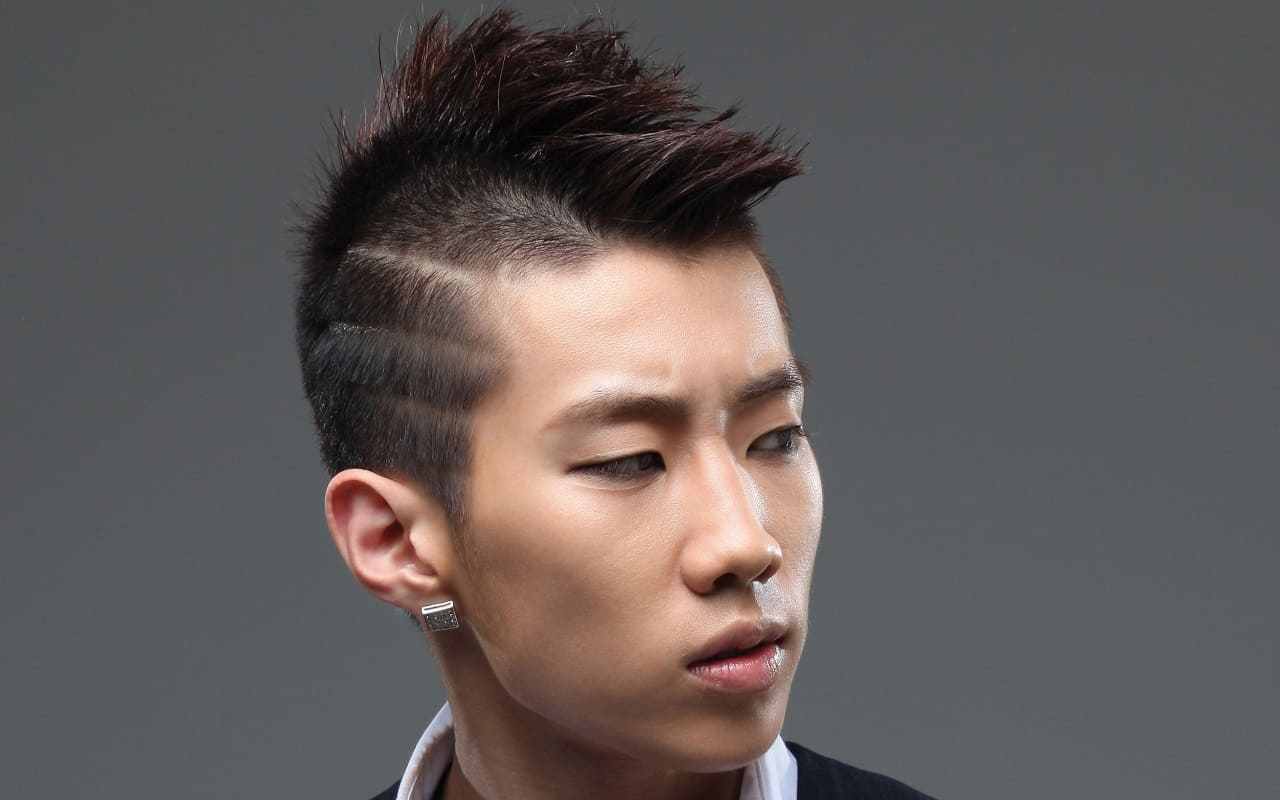 34 Undercut Hairstyle With Shaved Lines