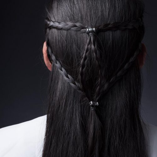how to look masculine with long hair