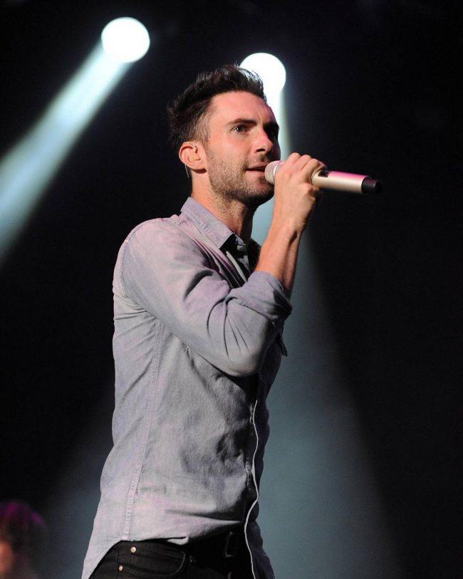 Adam Levine Haircut 37