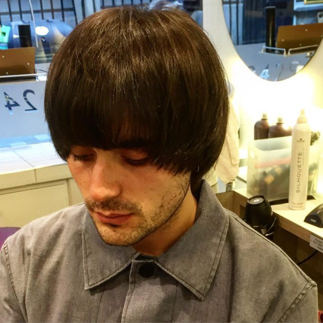 50 modern mushroom haircuts the latest 2018 trend the longer style to frame the eyes solutioingenieria Choice Image