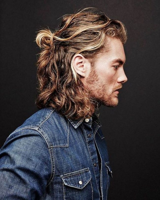 60 Popular Men S Ponytail Hairstyles Be Different In 2021
