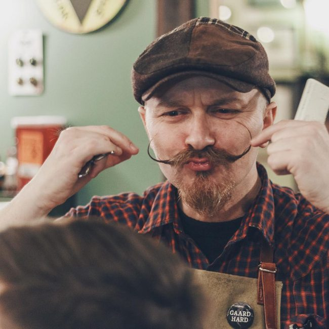 handlebar mustache 43