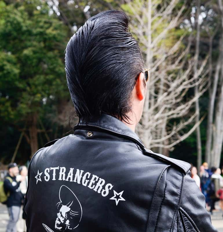 rockabilly hairstyle for men