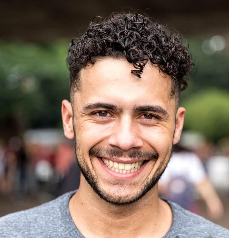 men's short curly hair