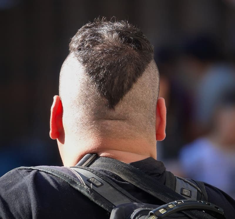 men's v cut hair
