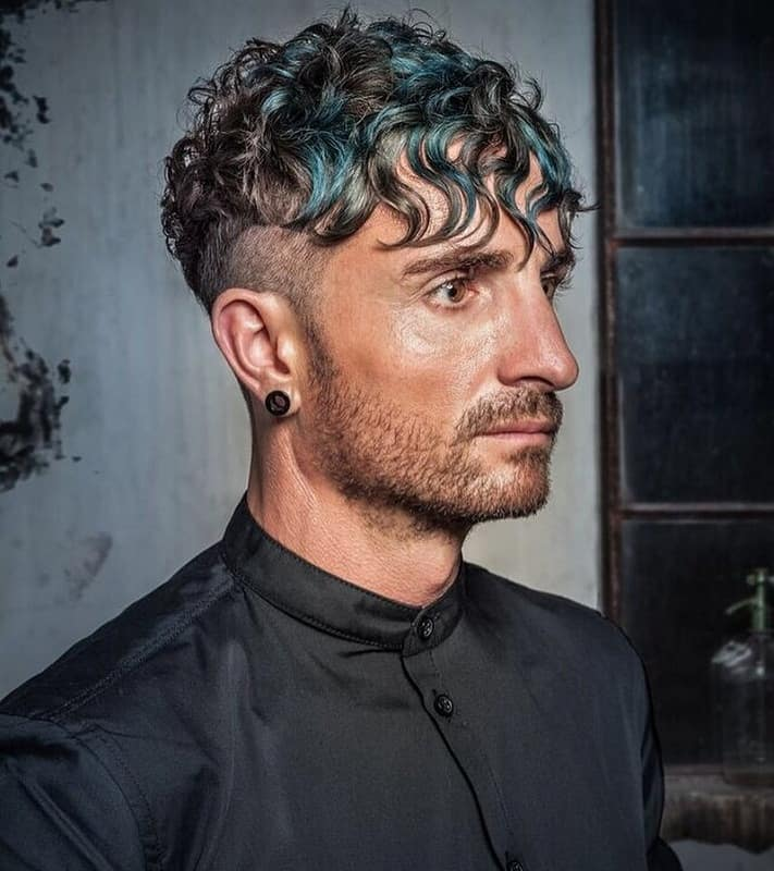 men's wavy hair with undercut