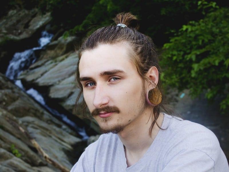 sleek ponytail for men