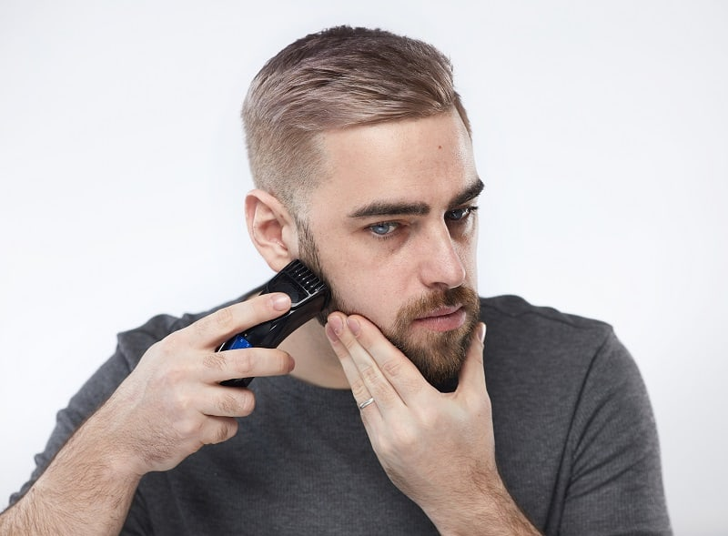 trimming beard