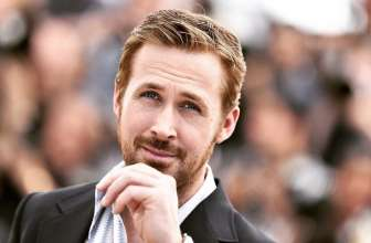 45 Hot Ryan Gosling Haircuts – Rocking The Retro Look